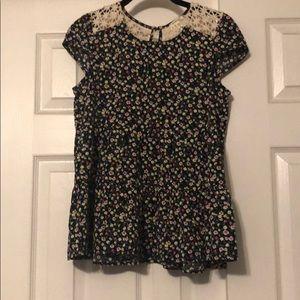 Monteau Black Floral Cap Sleeve Shirt in Size L